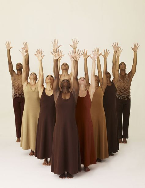 42 Ideas for dancing poses alvin ailey Modern Dance, Black Dancers, Dance Movement, Royal Ballet, Dance Poses, Dance Company, Dance Photography, Just Dance, Black Is Beautiful