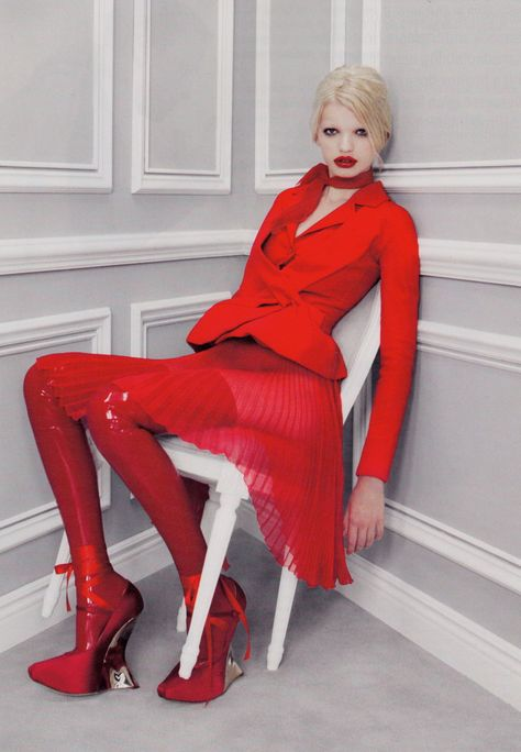 "i-D Winter 2011 ""Dior Couture"" Photo: Patrick Demarchelier Styling: Carine Roitfeld Model: Daphne Groeneveld"