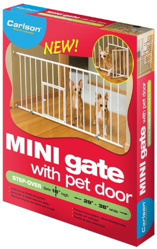 Carlson Mini Gate Extra Wide with Small Pet Door