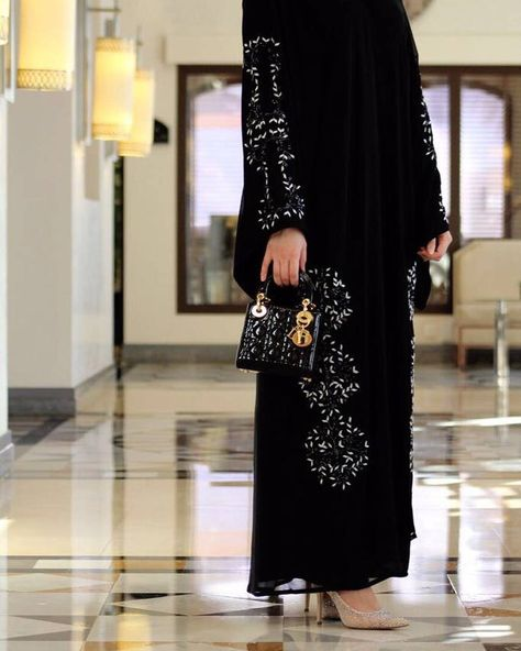 fashionblog #Repost @abaya___boutique with...