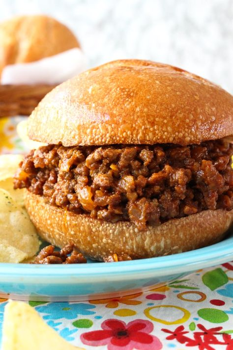 Homemade Sloppy Joes from The Two Bite Club #groundbeef #dinnerrecipe