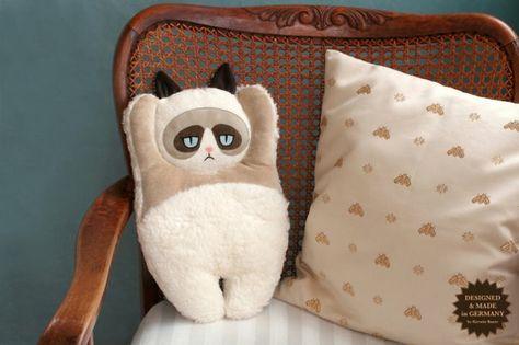 101 Ideas For Creative Throw Pillows And Pillows Ostrich Pillow