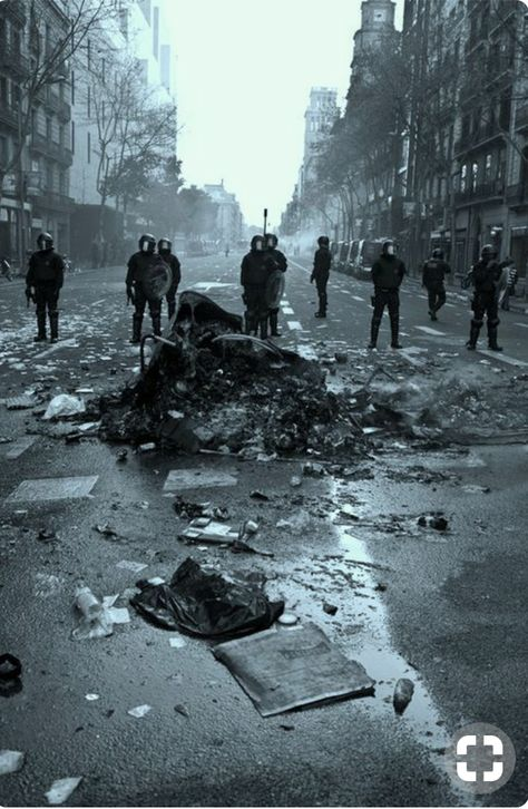 ~ Reaping A Brave New Life ~ Writing inspiration The abandoned cities were run by gangs now. Story Inspiration, Writing Inspiration, Character Inspiration, Inspiration Quotes, Apocalypse Aesthetic, Abandoned Cities, Abandoned Mansions, End Of The World, The Villain