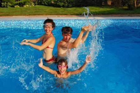 40 Swimming Pool Games For Kids and Adults | Fun game ...