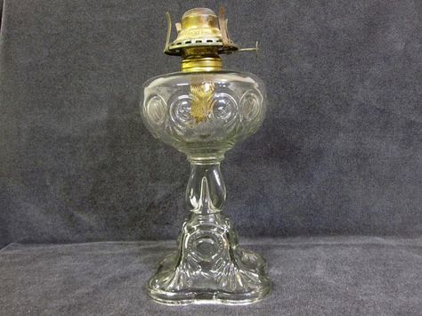 bullseye oil lamp, soft detail, c. 1913,the dominion glass