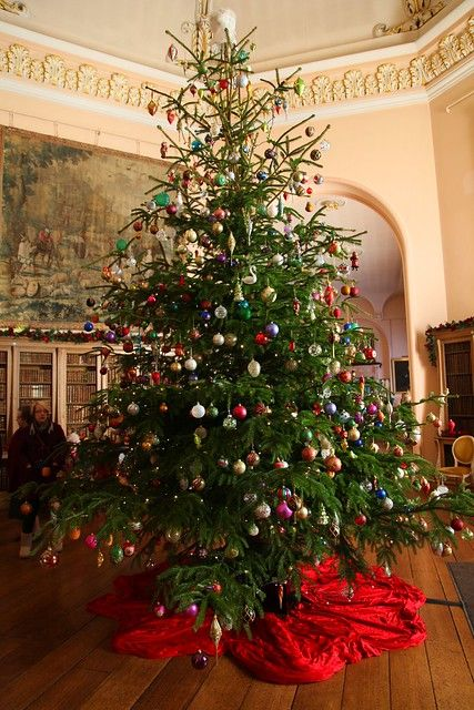Christmas Tree At Castle Howard In 2020 Christmas Tree Victorian Christmas Christmas Tree Decorations