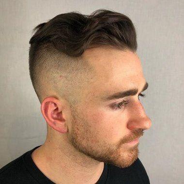 90 Perfekte Haarschnitte Fur Den Mann Mit Geheimratsecken In 2020 Coole Frisuren Frisuren Frisur Undercut