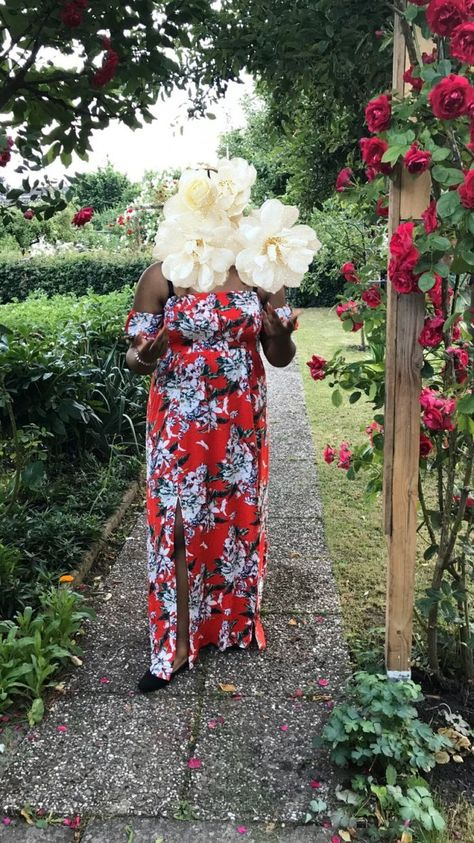 Rotes Blumen Kleid
