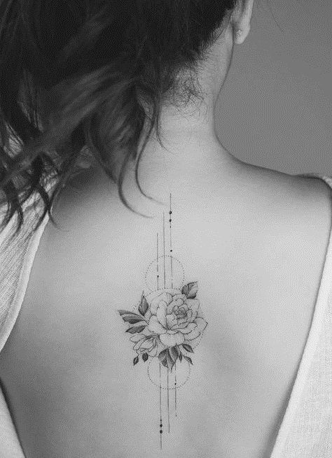 Tattoos are a symbol of beauty, sensuality and mystery. The simple and stylish tattoo pattern is the most direct expression of the unique personality. - zzzzllee
