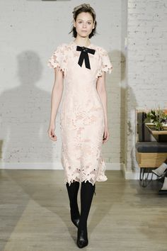See the complete Lela Rose Fall 2017 Ready-to-Wear collection.