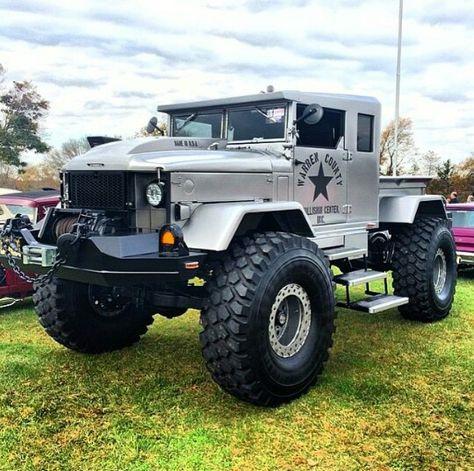 4X4 https://www.pinterest.com/dapoirier/4x4-and-trucks/