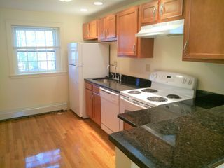 Check Out This 2 Bedroom Apartment On Zumper In 2021 Renting A House Apartments For Rent Rooms For Rent