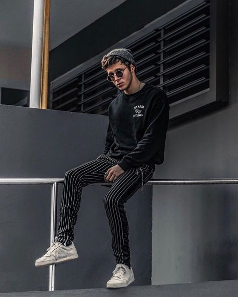Minimal Streetwear outfit by @edriancortes / / / / / #style #streetstyle #streetwear #mensfashion #menswear #outfits #outfitoftheday #menstyle