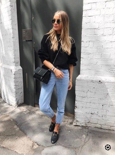 Mode femme casual chic : jean mum, pull noir et mules Gucci