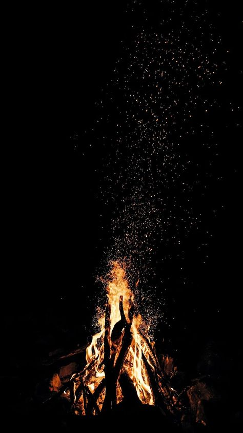 Bonfire [2210x3934] (i.imgur.com) submitted by IkeaStoolSample to /r/Amoledbackg...