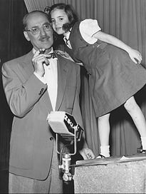 Top quotes by Groucho Marx-https://s-media-cache-ak0.pinimg.com/474x/26/cc/00/26cc00614e6f9ffa5a73bdcf96d08f63.jpg