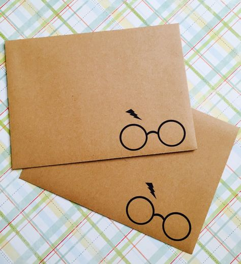 Set of 50 Handmade Harry Potter Inspired envelopes **larger and smaller sets available. Check out my shop! :)   Each has been hand cut and folded