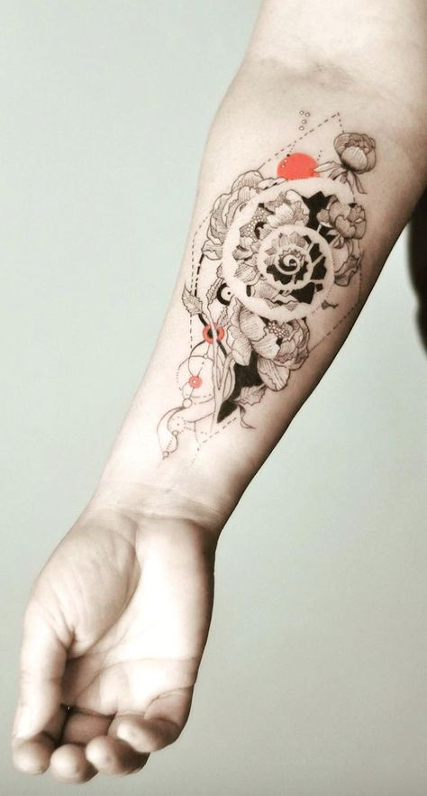 5 Maya Tattoos That Will Inspire You To Take A New Path In Life. - 5 Maya Tattoos That Will Inspire You To Take A New Path In Life. The Maya had a large number of sy - Fibonacci Tattoo, Tatouage Fibonacci, Line Tattoos, Body Art Tattoos, Sleeve Tattoos, Tatoos, Form Tattoo, Shape Tattoo, Unique Tattoos