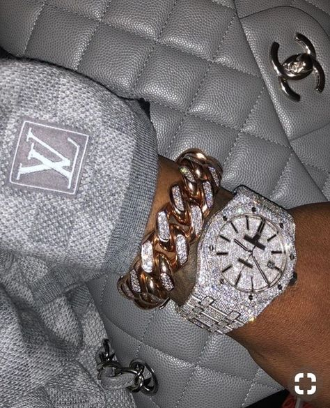 Image about luxury in bling bling bitches✨💎 by Mursal Boujee Aesthetic, Bad Girl Aesthetic, Cute Jewelry, Jewelry Accessories, Women Jewelry, Gold Jewelry, Jewelry Rings, Women Accessories, Accesorios Casual