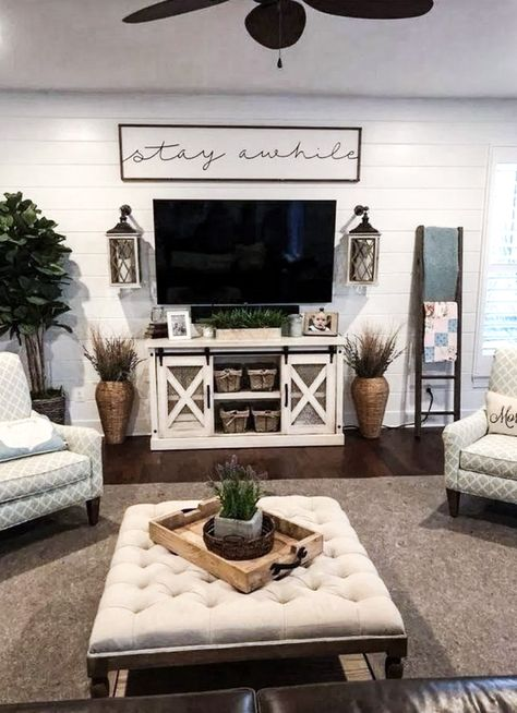 If you are looking for Farmhouse Living Room Tv Stand Design Ideas, You come to the right place. Here are the Farmhouse Living Room Tv Stand . Living Pequeños, Living Room Tv, Modern Living, Barn Living, Tv On Wall Ideas Living Room, Dining Room, Vogue Living, Small Living Rooms, Simple Living