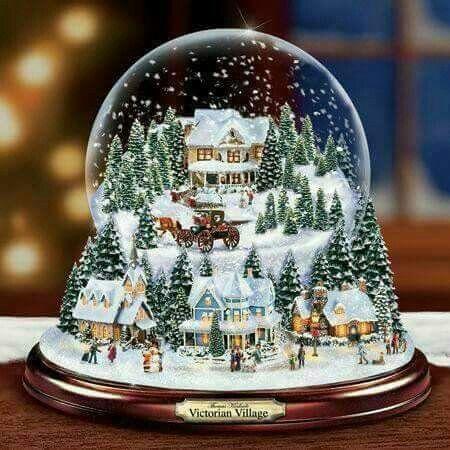 Pin By Gisele Rey On Fetes De Noel Christmas Snow Globes Christmas Globes Thomas Kinkade Christmas