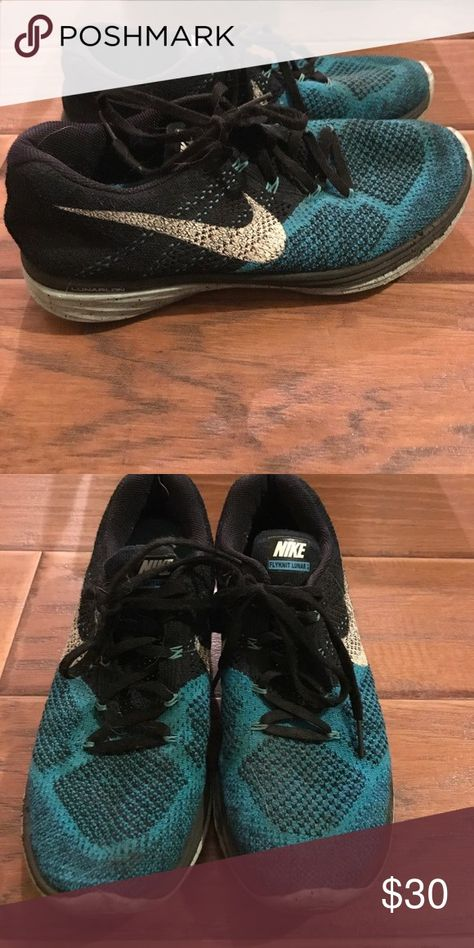 3f3db79a19599 Nike mens flyknit running shoes Mens 9 womans 10 1 2-11. Really cool  looking. Only worn once or twice. Not in bad condition at all.