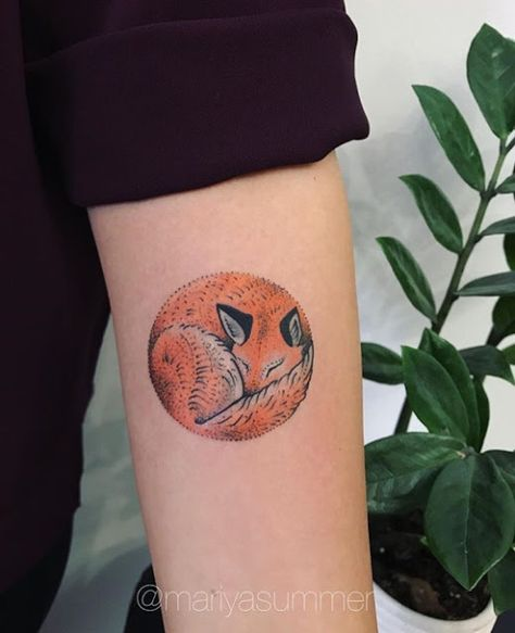 Cute Fox Tattoos For Women Circular Tattoo Fox Tattoo Fox Tattoo Design