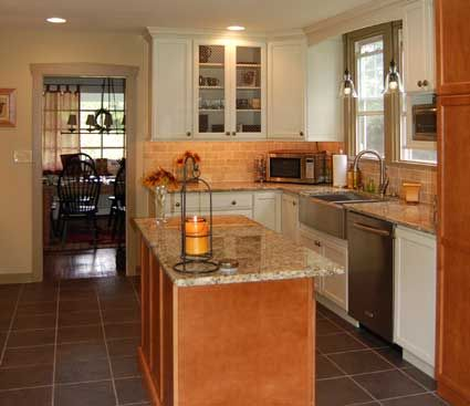 Kitchen With Island In West Chester, PA. Designed By Chester County Kitchen  And Bath In West Chester, PA. Fieldstone Cabinetry Hudson Door Style Inu2026