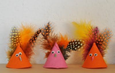 Easter chicks made from felt and feathers. Could also do turkeys Easy for kids to do. #Kids #Easter #Toys