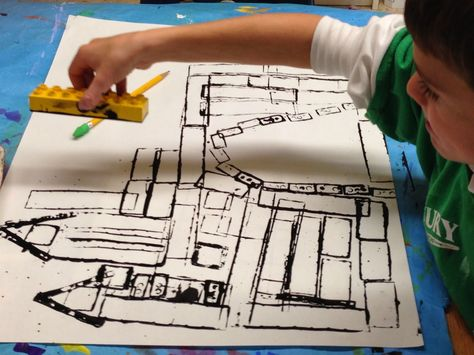 SJS Art Studio: Architecture: 2nd Grade Castles: prints with legos