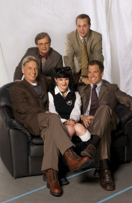 Still of Mark Harmon, Pauley Perrette, Michael Weatherly, David McCallum and Sean Murray of NCIS