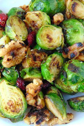 Coles De Bruselas Con Nueces Y Arándanos Receta De Tasty Details Receta Coles De Bruselas Cocinar Coles De Bruselas Col De Bruselas Recetas