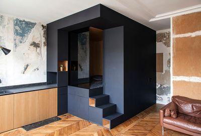Appartement Paris 10 32 M2 Avec Un Cube Multifonction Amenagement Petit Appartement Petit Appartement Decoration D Une Petite Piece