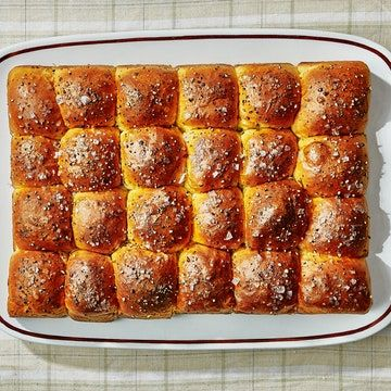 Pull Apart Sour Cream And Chive Rolls Recipe Recipe In 2020 Sour Cream Recipes Rolls