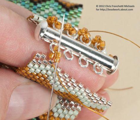 Erfahren Sie, wie Sie einen Schiebeverschluss an einem Peyote-Armband anbringen Attach a Slide Clasp to a Peyote Stitch Cuff Bracelet: Make Loops and Attach the Clasp to This End ~ Seed Bead Tutorails - Plants Seed Bead Bracelets, Seed Bead Jewelry, Jewelry Bracelets, Seed Beads, Beaded Cuff Bracelet, Geek Jewelry, Crochet Bracelet, Diy Jewelry, Beaded Jewelry