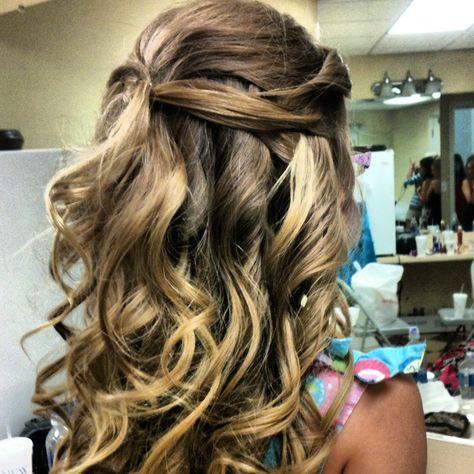 Flower girl hair:)