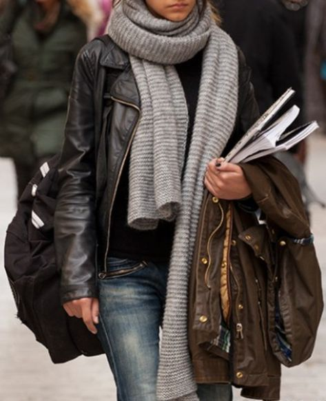 Nice casual look for when I become a student again! Makes me want to really go to grad school now... ;)