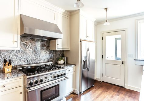 Clean Kitchen - A Modern S.F. Bachelor Pad That Gets It Right - Photos