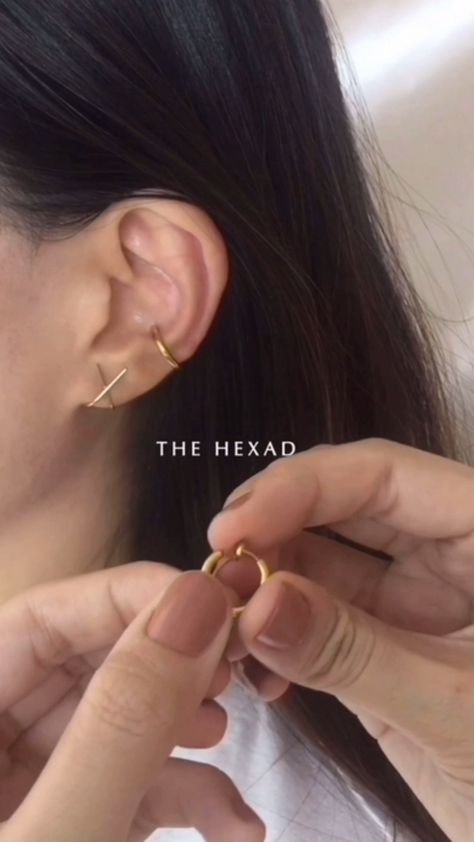 VerlobungsringeNo piercings needed The Hexad No piercing needed The Hexad Rock this ear party without having to bang your ears! Watch as you build a layer with The Retractable Hoops # conchhoop by THE HEXAD Keine Piercings benö