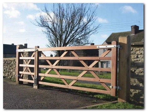 Classic Wooden Gates 44 Entradas De Casas Casas De Adobe Entrada De Campo