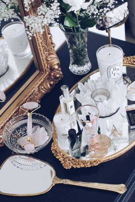 homedecor interiordesign decor 5 Thrift Finds for a Fabulous Vanity - Sarah Grace at Home 65231894589537730 Vanity Area, Vanity Room, Vanity Tables, Makeup Tables, Mirror Vanity Tray, Glamour Hollywoodien, Ornate Mirror, Vintage Vanity, Vintage Makeup Vanities