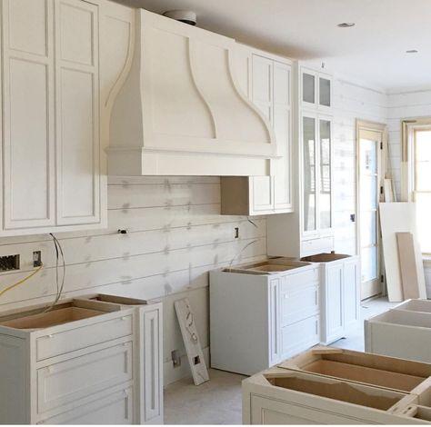 mid century modern white kitchen - Google Search kitchens - schüller küchen händlersuche