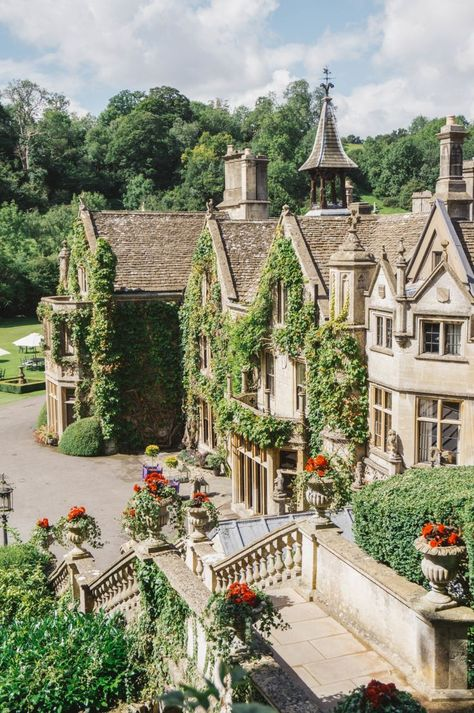 A look inside Castle Combe, often called the most beautiful village in England, complete with The Manor House, a five star country house hotel. Beautiful Buildings, Beautiful Homes, Beautiful Places, Beautiful Castles, Beautiful Beautiful, House Beautiful, Beautiful Dresses, Beautiful Pictures, Future House