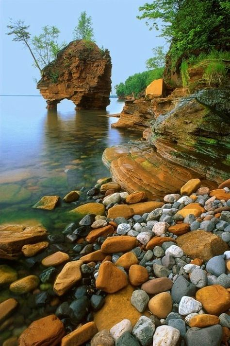 Apostle Islands, Sea Stack, Wisconsin.....who knew Wisconsin was so beautiful? i did!
