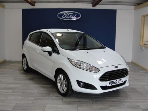 Ford Fiesta 1 0 Ecoboost Zetec 5dr Hatchback Petrol White With
