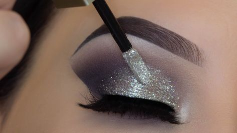 5 Minute Glitter Eye Makeup
