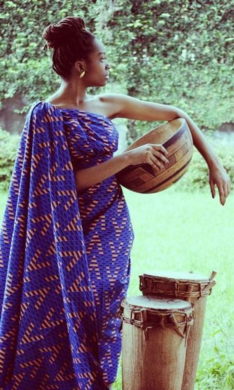 This African dress is just awesome. Don't know who did that unfortunately ~African Prints, African women dresses, African fashion styles, african clothing
