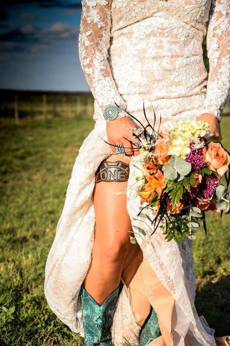 If you want to find very comfortable wedding shoes you have two top choices, one is to wear cowgirl wedding boots (as many of our readers choose). Cowgirl Wedding, Wedding Boots, Camo Wedding, Wedding Pics, Wedding Trends, Wedding Bride, Wedding Styles, Dream Wedding, Wedding Day