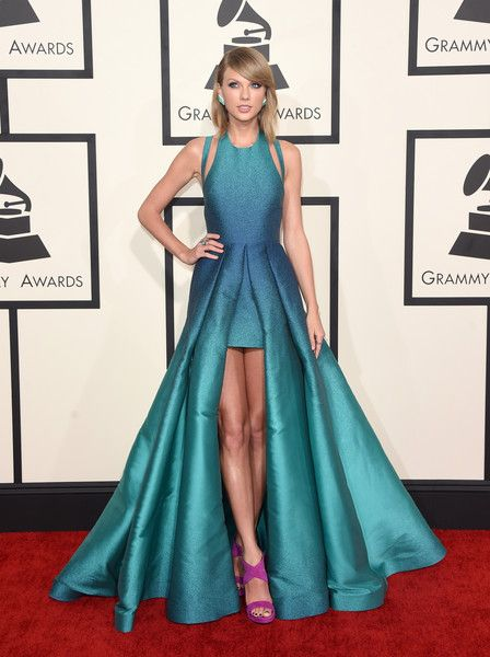 Taylor Swift at the 2015 Grammy Awards - The Most Daring Red Carpet Dresses of the Decade - Photos