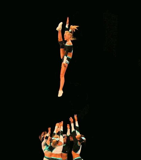 amazing, competitive cheerleading cheerleader competition cheer, version with m… amazing, competitive cheerleading cheerleader competition cheer, version with more of background showing Cheerleading Jumps, Cheer Stunts, Cheer Dance, Competitive Cheerleading, Cheerleading Cheers, Cheer Fails, Basket Toss, Cheer Team Pictures, Cheer Extreme